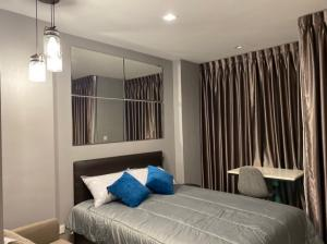 For RentCondoWitthayu,Ploenchit  ,Langsuan : *** Condo for rent : Life One Wireless (Brand new room)***