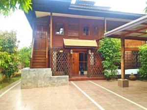 For RentHouseChiang Mai : House for rent near Kad Farang, Ring Road 3, fully furnished, San Phak Wan, Hang Dong, Chiang Mai.