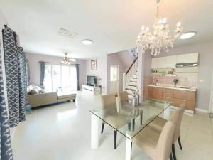 เช่าบ้านสุขุมวิท อโศก ทองหล่อ : 📌ราคานี้คุ้มมาก บ้านเดี่ยว บ้านสวย เฟอร์ครบ 3 ห้องนอน 2 ห้องน้ำ หมู่บ้าน Perfect Place สุขุมวิท 77 23,900/เดือน