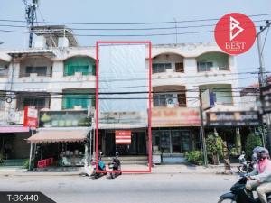 For SaleShophousePhitsanulok : Commercial building for sale, Tha Pho, Phitsanulok, door 5, Naresuan University, Phitsanulok.