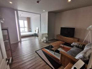 For RentCondoWongwianyai, Charoennakor : For Rent • HIVE TAKSIN  -  1 Bedroom (45 Sq.m), Close to BTS Krung Thonburi