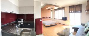 เช่าคอนโดวงเวียนใหญ่ เจริญนคร : ให้เช่าคอนโด วิลล่าสาทร ห้องสตูดิโอ ชั้น 37 ราคา 12,000 บาท/เดือน พื้นที่ 41 ตร.ม. Built in ทั้งห้อง