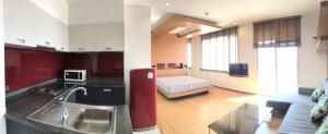 For RentCondoWongwianyai, Charoennakor : Condo for rent, Villa Sathorn, Studio room, 37th floor, price 15,000 baht / month, area 41 sq.m. Built in the whole room.