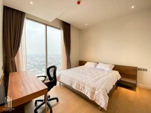 For RentCondoWongwianyai, Charoennakor : Riverfront 2Bedroom High Floor for RENT
