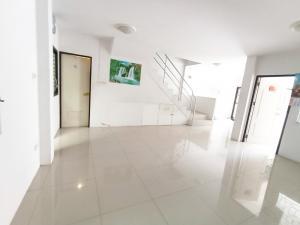For SaleTownhouseSamrong, Samut Prakan : Townhouse for sale, Den Chai Village, Soi Mangkon, Praksa, good price, 27 sq.w.