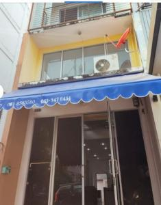 For RentShophouseOnnut, Udomsuk : NS042 Commercial building for rent, 5 floors, On Nut 46, Nakhon In House, Soi Suphapong 1.