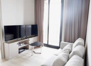 For RentCondoSukhumvit, Asoke, Thonglor : POJ 237 New condo for rent, Oka Haus, Sukhumvit 36, near Maleenont Building, Rama 4. The room is fully furnished.