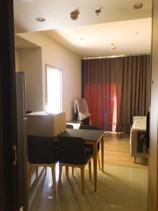 For RentCondoSukhumvit, Asoke, Thonglor : POJ 244 New condo for rent, Oka Haus, Sukhumvit 36, near Maleenont Building, Rama 4. The room is fully furnished.