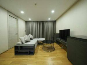 เช่าคอนโดวิทยุ ชิดลม หลังสวน : Klass Langsuan Condo for rent near BTS Chidlom 2 beds 72 sqm corner room on 7 floor
