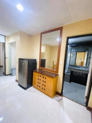เช่าคอนโดสีลม ศาลาแดง บางรัก : Urgent Rent++ Green Point Silom ++ BTS Saladeng ++ MRT Silom ++ Good Decor ++ Spacious Room 22000 🔥