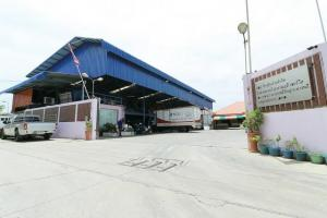 For SaleShowroomBangna, Lasalle, Bearing : Land for sale with houses and small offices, Bangna Trad, Soi Mahachai 3, more than