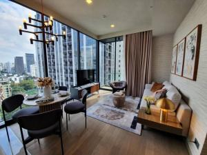 For RentCondoSukhumvit, Asoke, Thonglor : * Beautiful Brand-new condo decorated show unit to rent * Celes Asoke