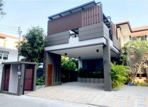 For RentHouseSukhumvit, Asoke, Thonglor : Rental / Selling: Single House with Swimming Pool in Predi