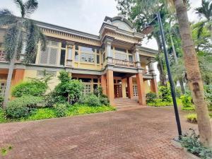 For SaleHousePattanakan, Srinakarin : Luxury house for sale, Panya Village, Pattanakarn 30, area 398 sq.wa. behind the corner