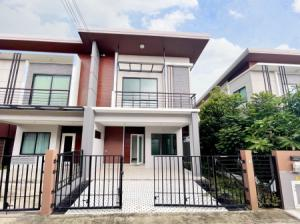 For SaleHouseSamrong, Samut Prakan : Twin house for sale 2.9 million Natura Trend Pracha Uthit 90 125 sq m. 25.5 sq.wa, large house, 3 bedrooms.