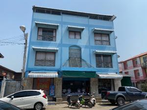 เช่าตึกแถว อาคารพาณิชย์อุทัยธานี : อาคารพาณิชย์ให้เช่า