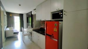 For RentCondoNawamin, Ramindra : Condo for rent Parc Exo Kaset-Nawamin. Pool view / 7,500 baht
