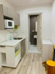 For RentCondoKasetsart, Ratchayothin : Condo next to BTS Sena near Kasetsart University, beautiful room + washing machine