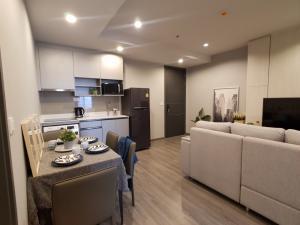 For RentCondoRatchathewi,Phayathai : Floor 23 Rent Condo Ideo Mobi Rangnam,2 Bedroom, BTS Victory Monument 650m, Bangkok