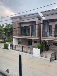 For RentHouseBangbuathong, Sainoi : Townhome for rent with furniture. Soi Kantana - Bang Yai - Esgate Premium Village - 3 bedrooms near Central Westgate