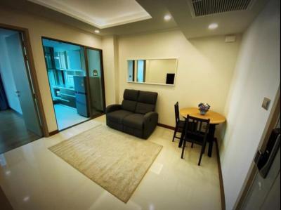 For RentCondoSukhumvit, Asoke, Thonglor : 2445-A😊 For RENT 1 bedroom for rent 🚄 near BTS Phrom Phong 🏢 Supalai Oriental Sukhumvit 39 Supalai Oriental Sukhumvit 39🔔 Area: 39.00 sq.m. Rent: 19,900 ฿ 📞O86-454O477, O99-5919653✅LineID: @sureresidence