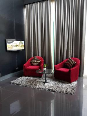 เช่าคอนโดสุขุมวิท อโศก ทองหล่อ : Urgent Rent++ Movenpick Residence ++ Ekkamai ++ BTS Ekkamai++ Good Location @16000 Negotiable 🔥