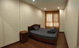 For SaleCondoSathorn, Narathiwat : Supalai Lite Sathorn-Charoenrat Condo 54 m2 sale 4.5 M rent 18000 THB