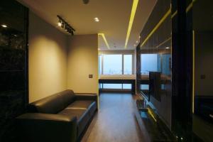 For RentCondoSapankwai,Jatujak : +++ Urgent rental !!! Rhythm Phahon-ari *** 1 bedroom, 1 bathroom, size 45.70 sq m, fully furnished, ready to move in +++