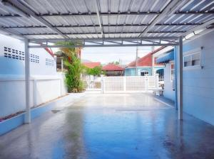 For RentTownhousePhuket, Patong : A beautiful townhouse for rent. Phuket Villa 5 Chao Fah, Phuket. fully furnished wide area at budget price located in city center near Kajonkiet Pattana int School Phuket