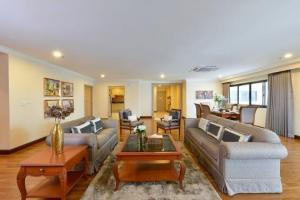 For RentCondoSukhumvit, Asoke, Thonglor : 3117-A😊 For RENT 3 bedroom for rent 🚄 Near MRT Sukhumvit 🏢 GP Grand Tower GP Grande Tower🔔 Area: 260.00 sq.m. 💲 Rent: 90,000 ฿ 📞O88-7984117, O65-9423251✅LineID: @sureresidence