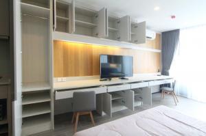 เช่าคอนโดสาทร นราธิวาส : Noble Revo Silom Condo for rent : 1 bedroom for 34 sqm. on 10th floor.With buit-in furniture many sorages for bright colour and buit-in long working desk. Just 160 m. to BTS Surasak.Rental only for 17,000 / m. or Sale on