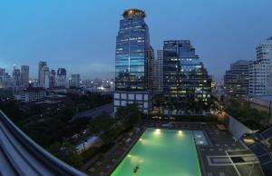 For RentCondoSukhumvit, Asoke, Thonglor : Beautifully Decor ++ Great Location++ Grand Park View Asoke ++ BTS Asoke ++ MRT Phetchaburi @ 28000🔥