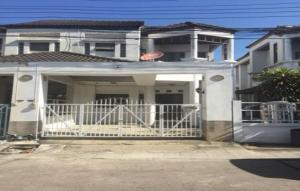 For SaleTownhousePattanakan, Srinakarin : OHM070 Townhouse for sale, 2 storey, corner with furniture, Soi Pattanakarn 57 near Kasem Bundit University