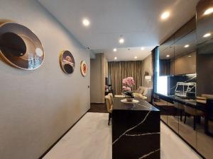 เช่าคอนโดสุขุมวิท อโศก ทองหล่อ : ปล่อยเช่า คอนโดหรู The Esse Sukhumvit36 ห้องใหม่ พร้อมอยู่ 2 ห้องนอน ติด BTS ทองหล่อ