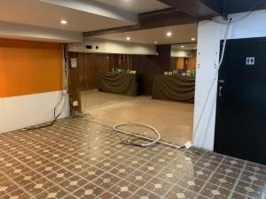 For RentShophouseSukhumvit, Asoke, Thonglor : RPJ168 Commercial building for rent, width 8 13.5 meters deep, 6 floors, along Thonglor Road, business district, golden location, crowded people
