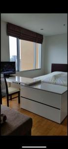 For RentCondoWongwianyai, Charoennakor : 🥝🥝 Condo for rent, Villa Sathorn 🥝🥝 Floor 31, size 42 sq m, fully furnished with washing machine.