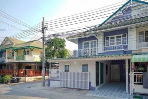 For SaleTownhouseBangbuathong, Sainoi : # Pruksa village 18/1 behind the corner, a lot