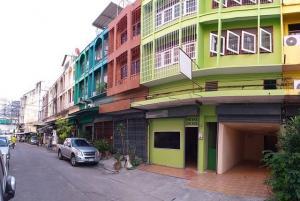 For SaleShophouseRamkhamhaeng Nida, Seri Thai : BS694 For sale, two commercial buildings, 5 floors, Soi Serithai 11, Bueng Kum District, for sale with tenants