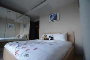 For RentCondoSukhumvit, Asoke, Thonglor : [owner post] for rent 2BR 1bath (with sink) Ashton Asoke, 30th floor.