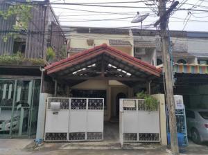 For RentTownhouseSukhumvit, Asoke, Thonglor : HR716 Townhouse for rent, 2 floors, area 25 sq m. Soi Ekamai 12, suitable for home office.