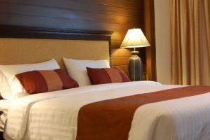 For SaleBusinesses for salePattaya, Bangsaen, Chonburi : ขายโรงแรม 3 ดาว พัทยา ติดหาดจอมเทียน จำนวน 39 ห้องพร้อมใบประกอบกิจการ Selling : Hotel in Pattaya , close to Jomtien Beach 39 Rooms service with Hotel License