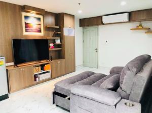 For SaleCondoBang Sue, Wong Sawang : Sell a combine room 56 sq m, Regent Home Bang Son Phase 2, next to MRT Bang Son