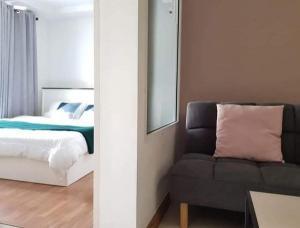 For RentCondoRatchadapisek, Huaikwang, Suttisan : Ivy Ratchada for rent, near MRT Sutthisan, beautiful room, fully furnished.