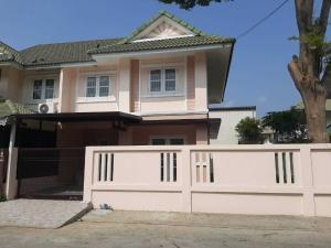 For SaleHouseBangbuathong, Sainoi : 2 storey detached house for sale, 35 sq m., Pruksa Village 30, Ban Kluai-Sai Noi Road There is a lot of space on the side.