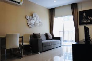 For SaleCondoLadprao101, The Mall Bang Kapi : ขาย / เช่า คอนโด โครงการ HAPPY CONDO ลาดพร้าว 101 ตึก C ชั้น 2 ห้องมุม ห้องขนาด 66.4 ตรม. เฟอร์ครบ พร้อมอยู่2 นอน 2 น้ำ 1 ห้องรับแขก 1 ห้องครัว
