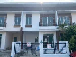 For SaleTownhouseRamkhamhaeng,Min Buri, Romklao : 2-storey townhome for sale, an area of 21.8 square wa, Teemsiri Grand Village, Sam Wa Road 23-25