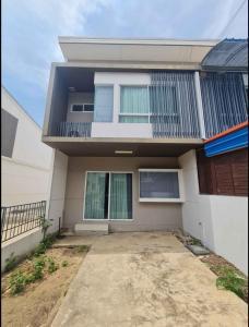 For RentTownhouseRathburana, Suksawat : Townhome for rent behind the rim. Indy Prachauthit 90 Near Kanchanaphisek Expressway, 2 bedrooms, 3 bathrooms, rent 11,000 / month