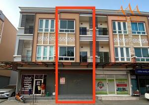 For SaleShophouseRangsit, Patumtani : 3-storey commercial building for sale