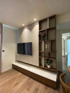 For RentCondoSukhumvit, Asoke, Thonglor : 2 bed 2 bathrooms FullyFuniture Muniq Sukhumvit 23