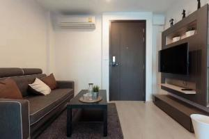 For RentCondoSathorn, Narathiwat : Condo for rent: Rhythm Sathorn-Narathiwat - 1 bedroom 35 square meters with furniture only 18000 / month